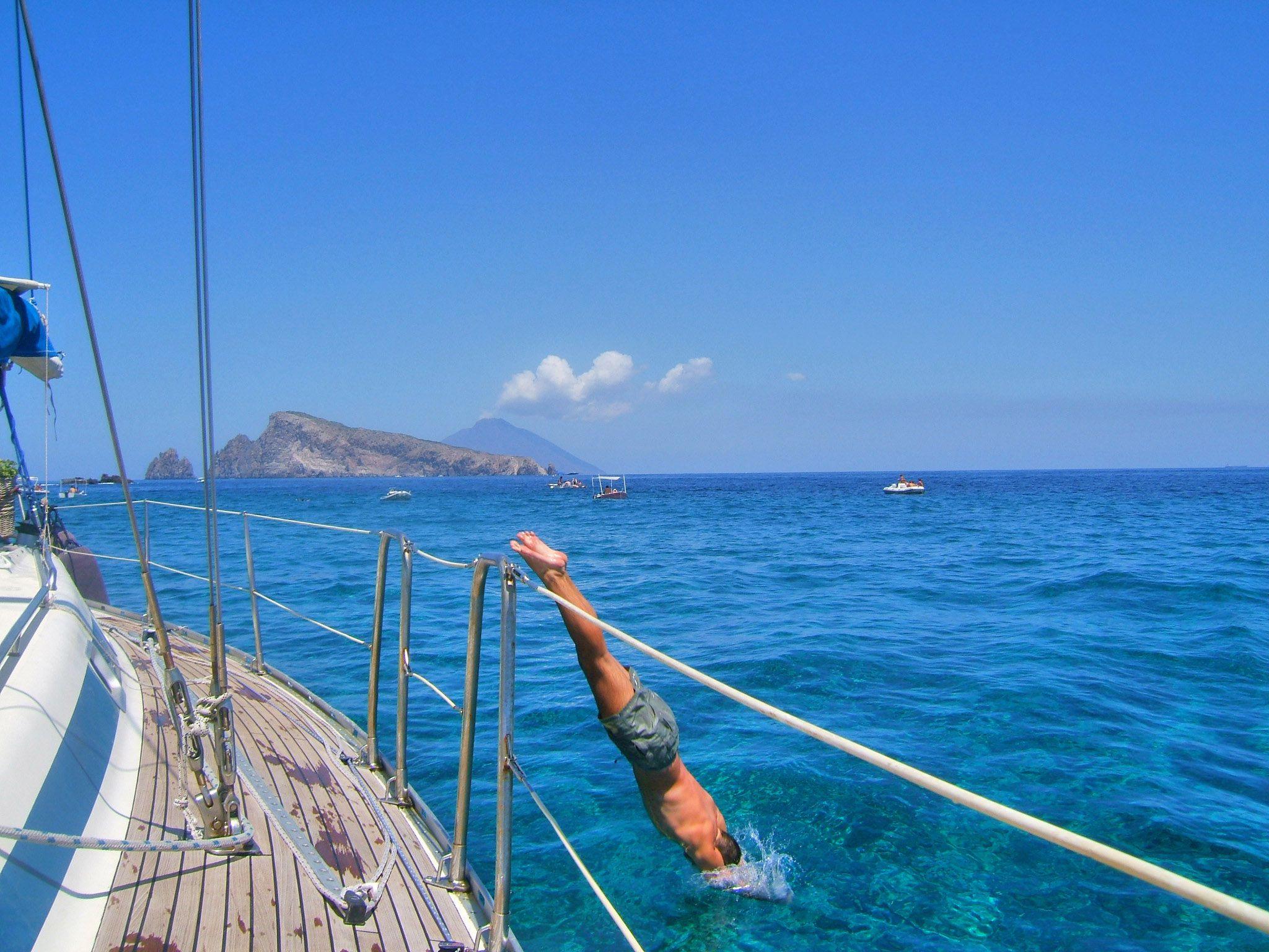 Vacanze in barca a vela. Le differenze tra noleggio e locazione e la loro sicurezza