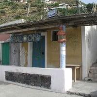 saloon-isola-di-filicudi-pecorini-a-mare-Vaivela.it_-200x200